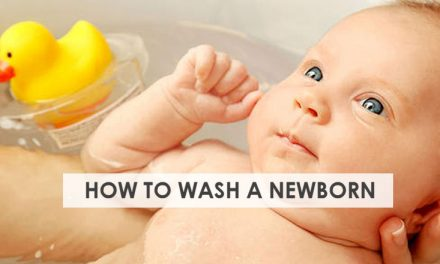 How to Wash a Newborn Baby- Step by Step Guide